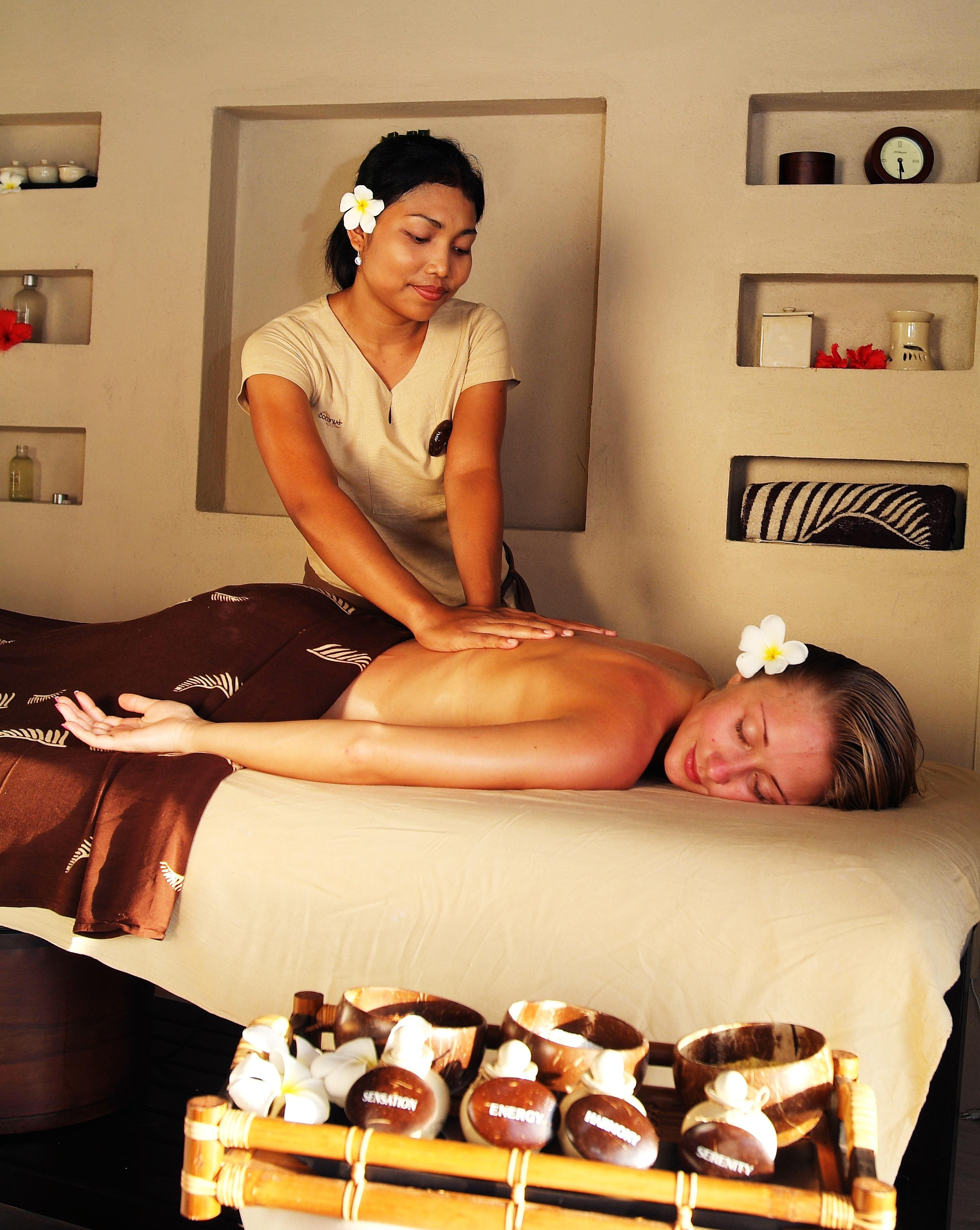 https://www.adaaran.com/prestigevadoo/wp-content/uploads/sites/5/2014/04/Adaaran-Select-Hudhuranfushi_Spa-5.jpg